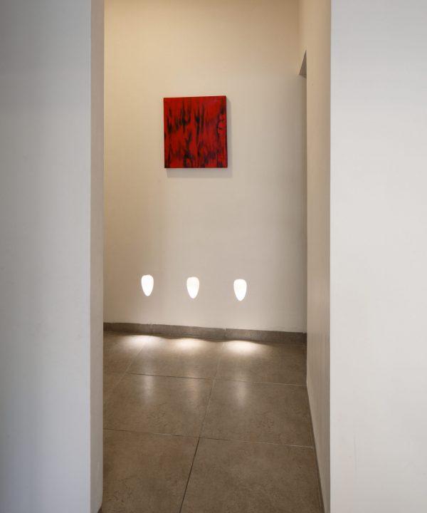 תאורה לכניסה מעברים מדרגות מסדרון